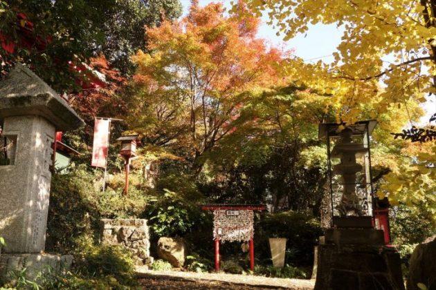 磯山弁財天の紅葉写真1
