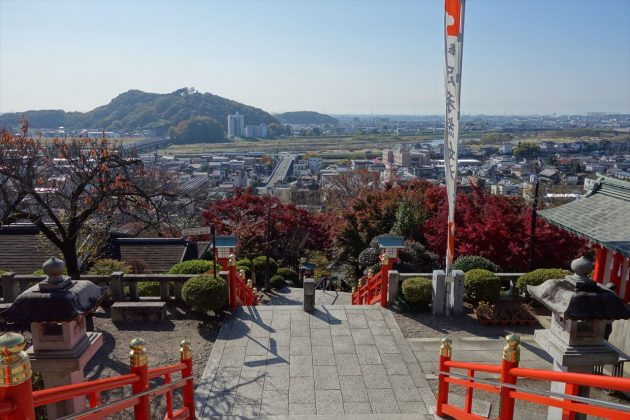 織姫神社の紅葉写真2