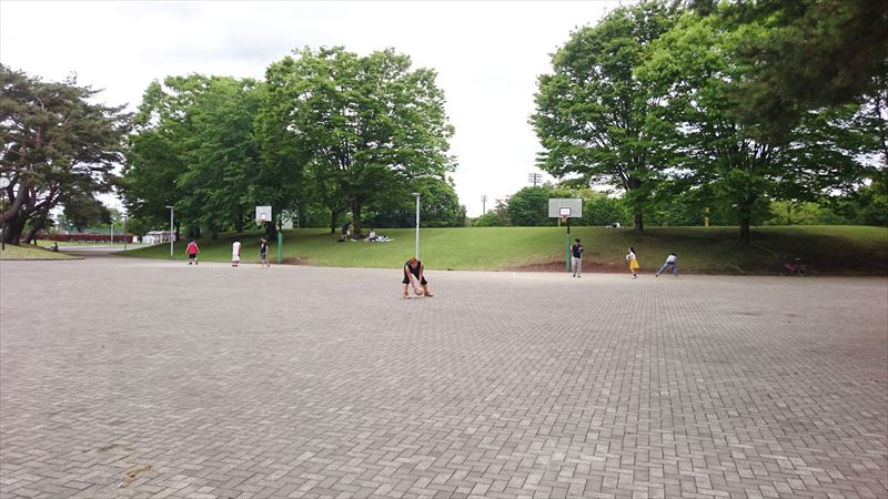 大平運動公園のバスケット広場
