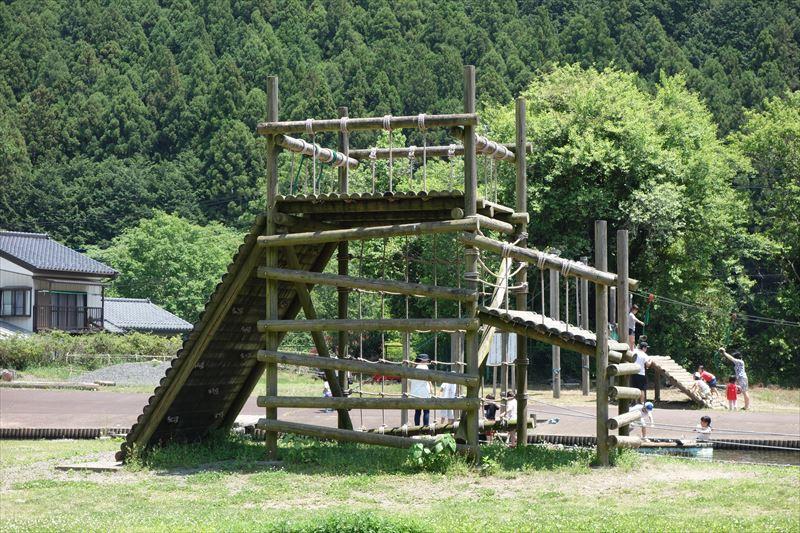 蓬山ログビレッジの水上アスレチック(冒険砦アップ)