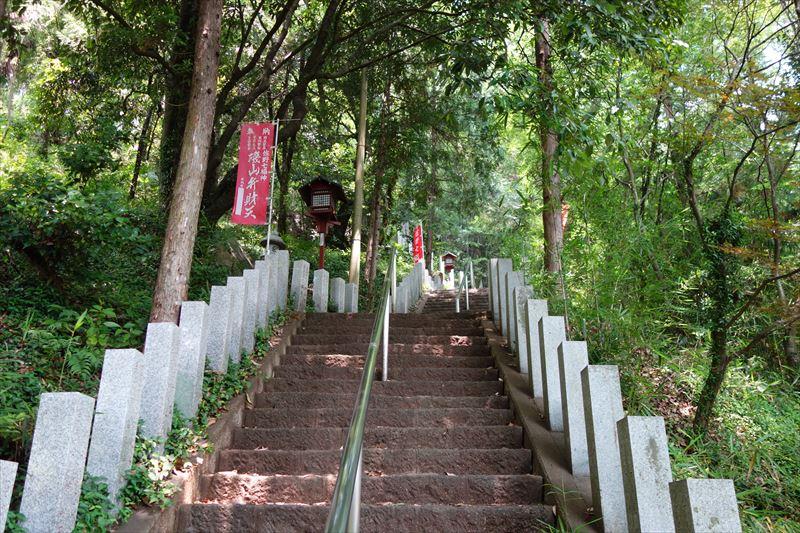 磯山弁財天の階段2