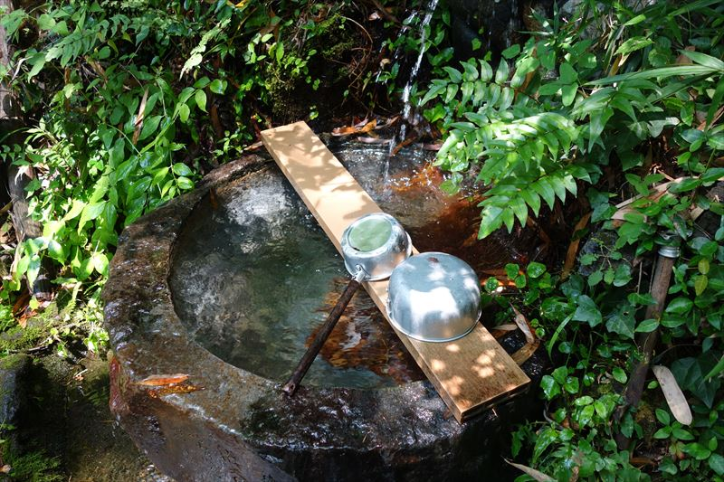 磯山弁財天の湧水