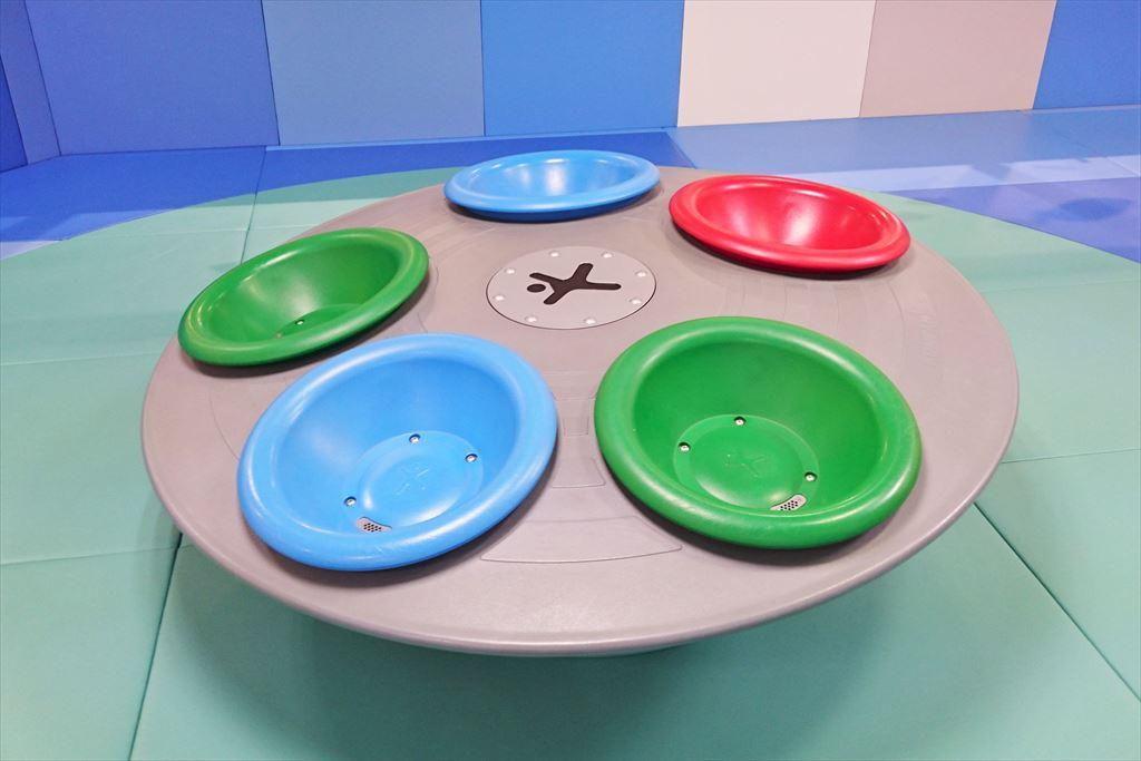 キッズランドおやまのUFO型回転遊具