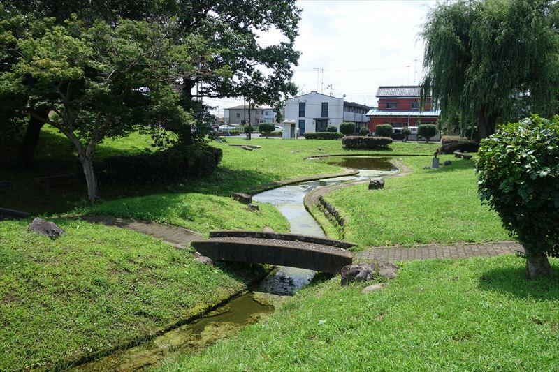 菊川第4公園の水路