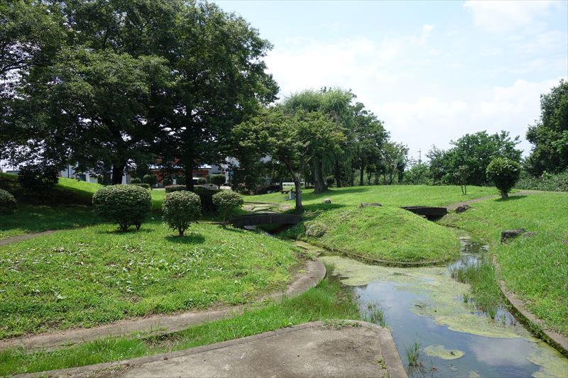 菊川第4公園の水路その2
