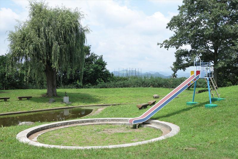 菊川第4公園の滑り台