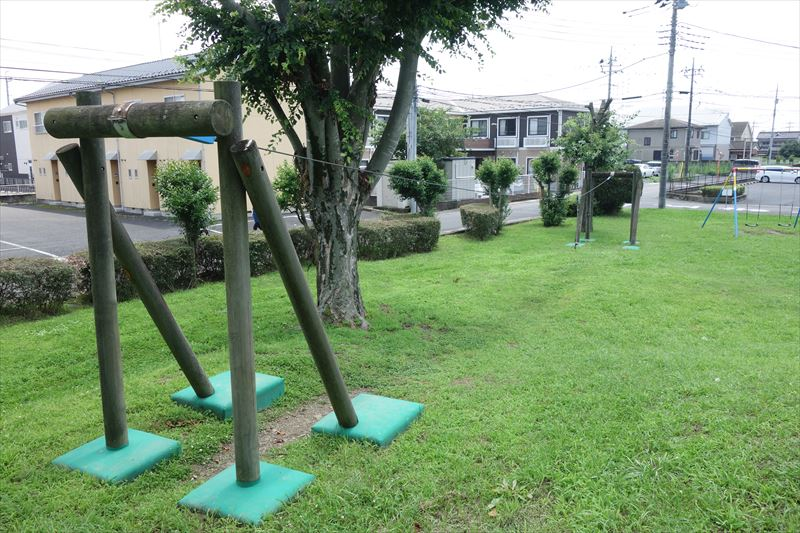 菊川第4公園のターザンロープ