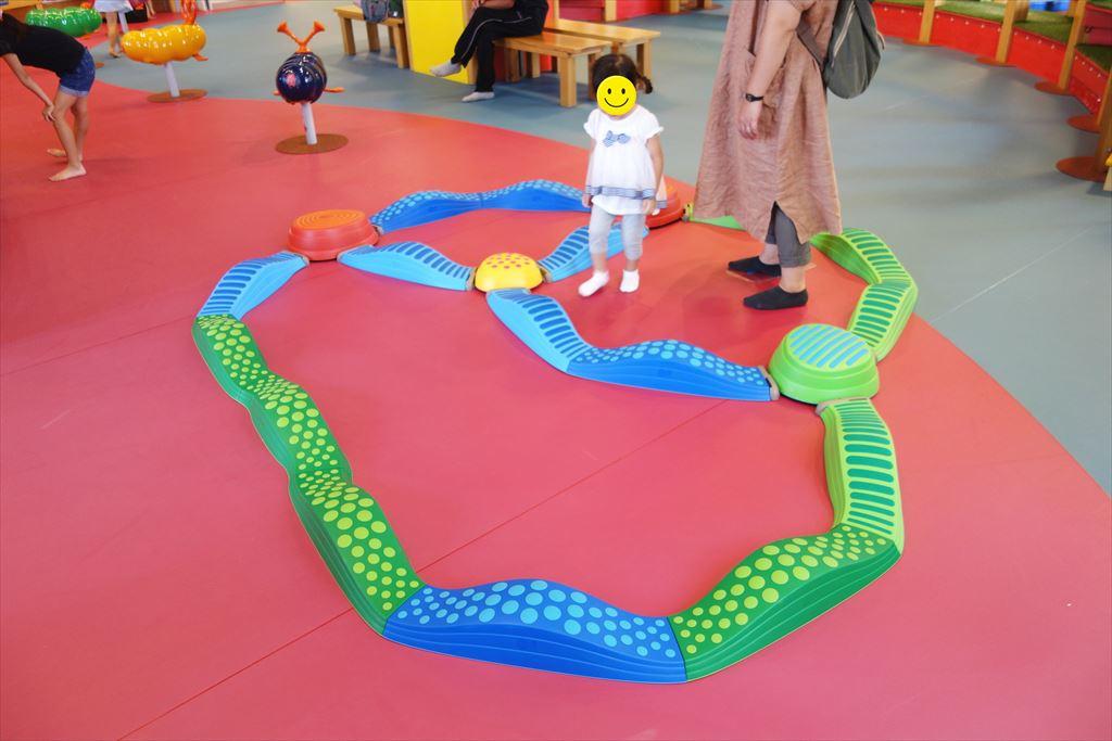 トコトコ大田原「わくわくらんど」のバランス遊具