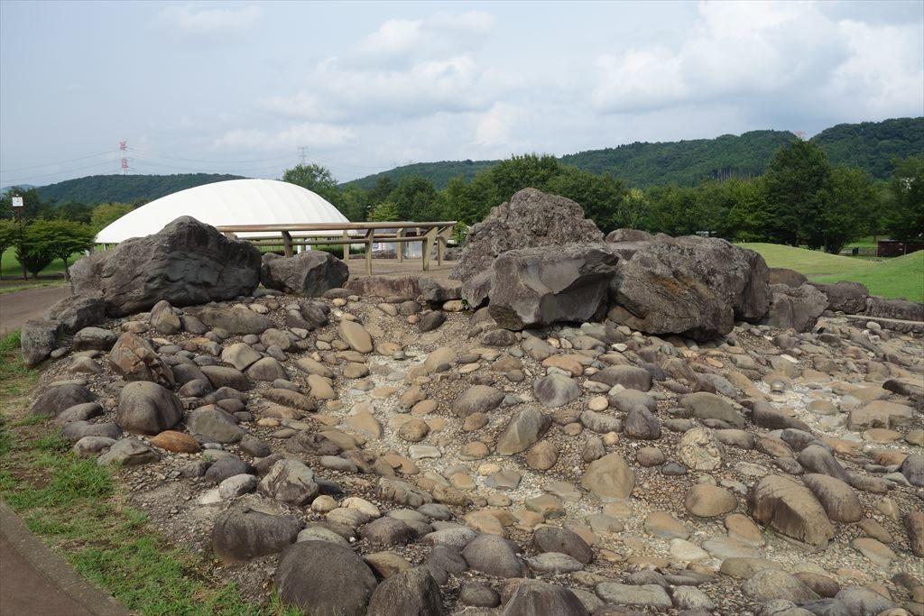 なかがわ水遊園の岩場の水路