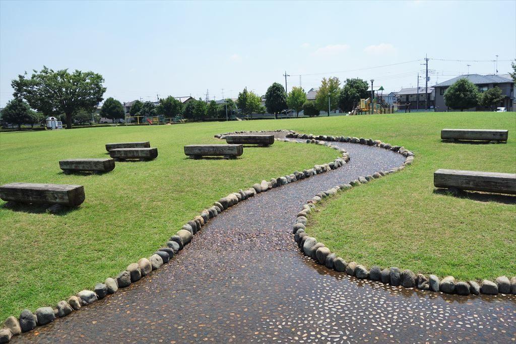 城南公園の水遊び場(水路)