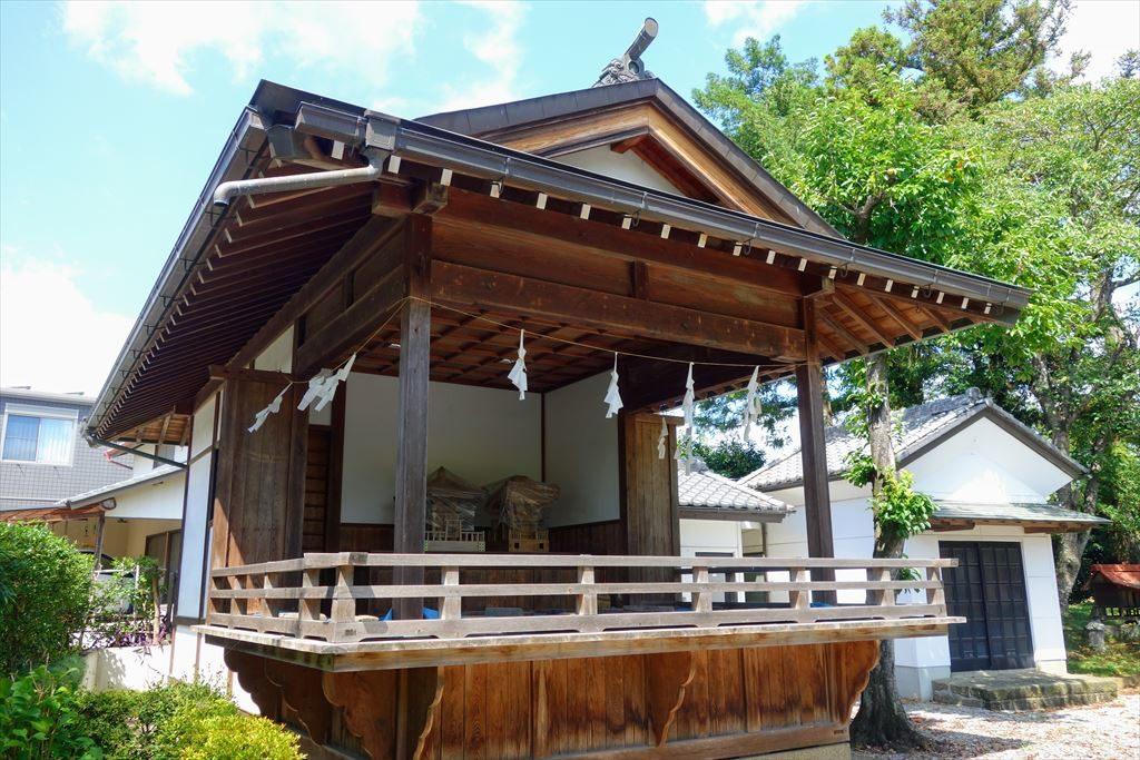 人丸神社の神楽殿