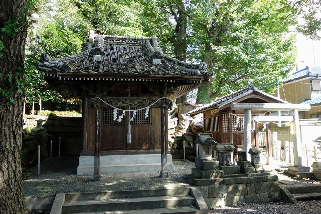 星宮神社に祀られている機殿神社