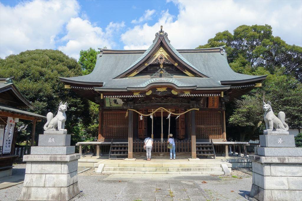 一瓶塚稲荷神社の拝殿