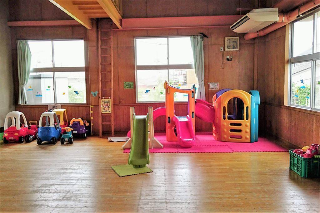 佐野市「児童館」の体を使って遊ぶスペース