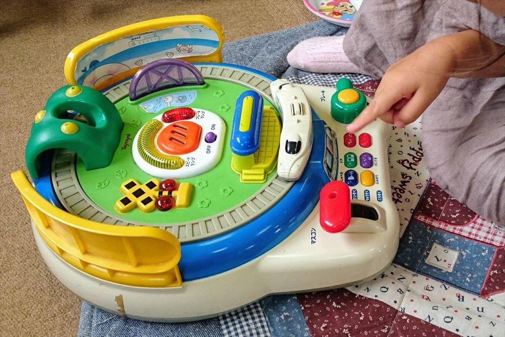 佐野市「児童館」の電池を使って動くおもちゃ