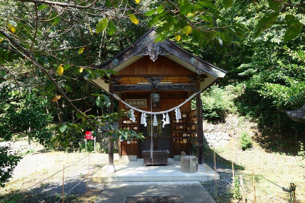 産泰神社と機姫神社の写真