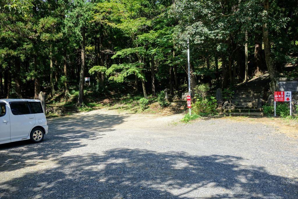 賀茂別雷神社の駐車場(本殿の近く)