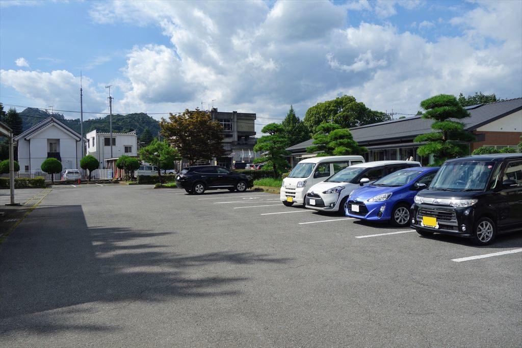 葛生化石館の駐車場