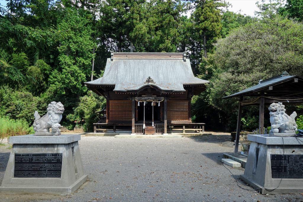 沼鉾神社の境内