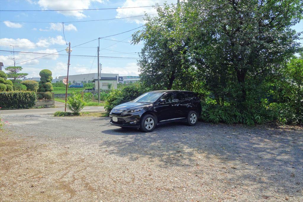 沼鉾神社の駐車場