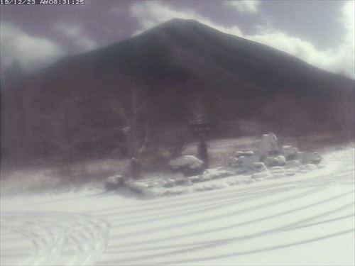 男体山の積雪状況が分かるライブカメラ画像