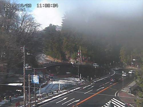 神橋の積雪状況が分かるライブカメラ(道路アップ)画像