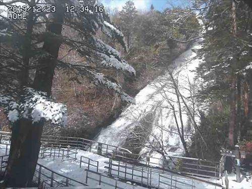 湯滝の積雪状況が分かるライブカメラ画像
