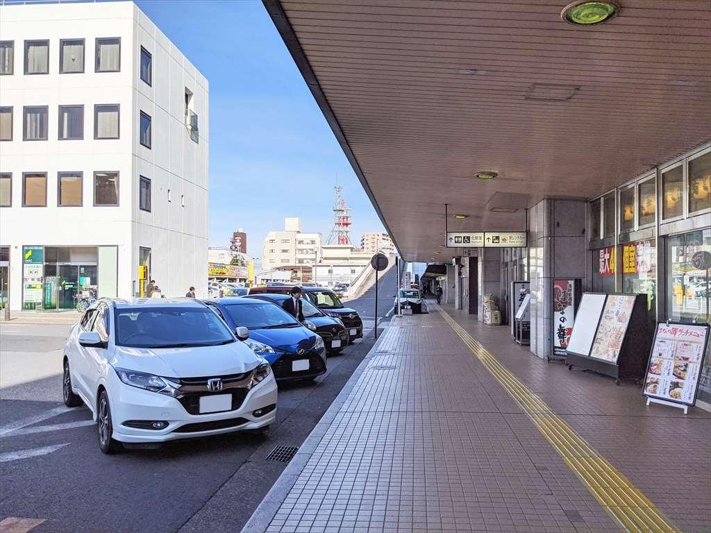 小山駅西口の喫煙所への道順1