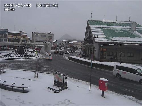 東武日光駅前の積雪状況が分かるライブカメラ画像