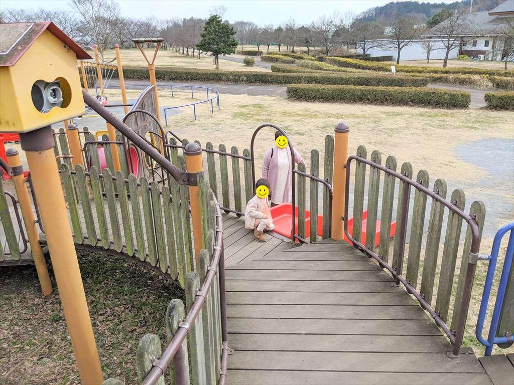 永野川緑地公園のすべり台4